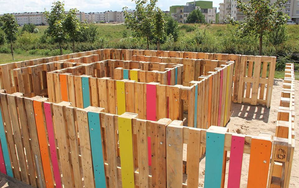 O O Pony First Recycling Playground In Poland on Diy Pallet Project Ideas