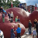 party aardvark playground scupture florentijn hofman3