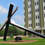 motu viget play sculpture swing mark di suvero grand rapids1