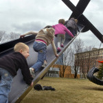 motu viget play sculpture swing mark di suvero grand rapids6