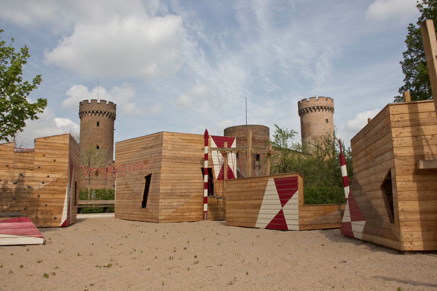 modern castle playground, zulpich germany, rmp stephan lenzen